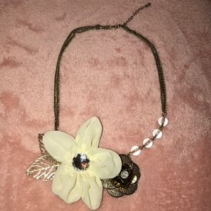 Beautiful Flower Gold Necklace